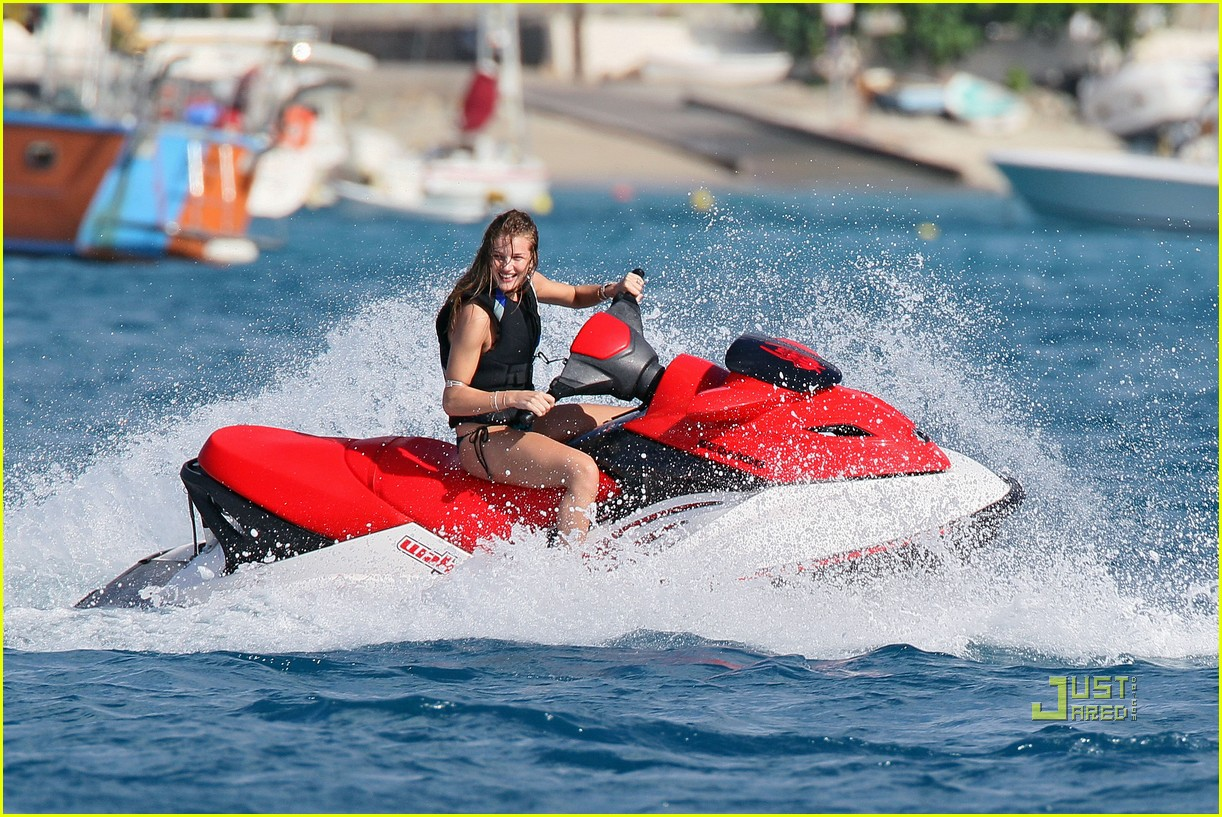 rosie huntington whiteley jason statham jet ski 092507875