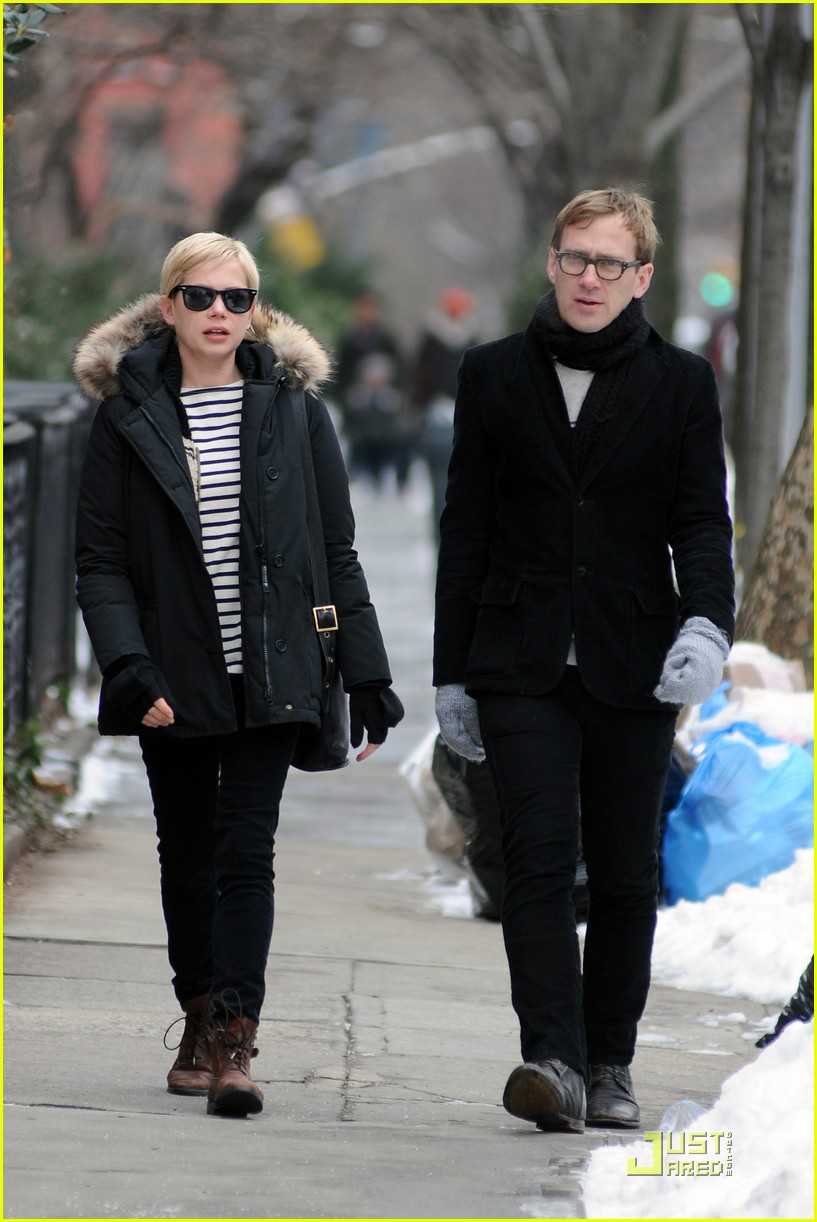 Michelle Williams Sunday Stroll With Dan Estabrook Photo 2509587 Dan Estabrook Michelle Williams Pictures Just Jared Dan estabrook biography with personal life, affair and married related info. 2