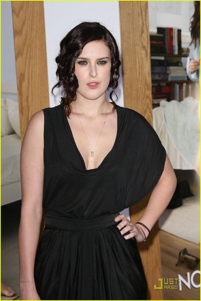 rumer willis lake bell no strings attached premiere 042510364