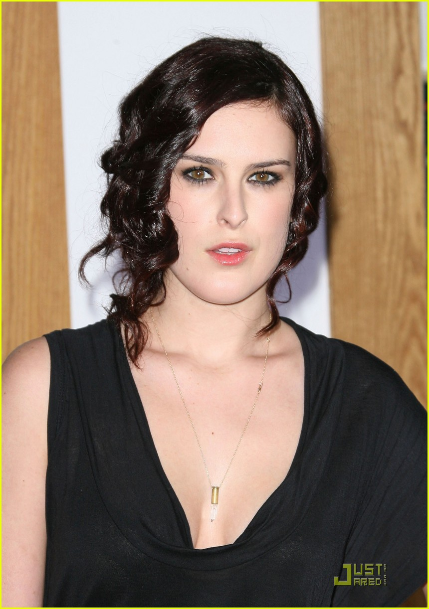 rumer willis lake bell no strings attached premiere 052510365