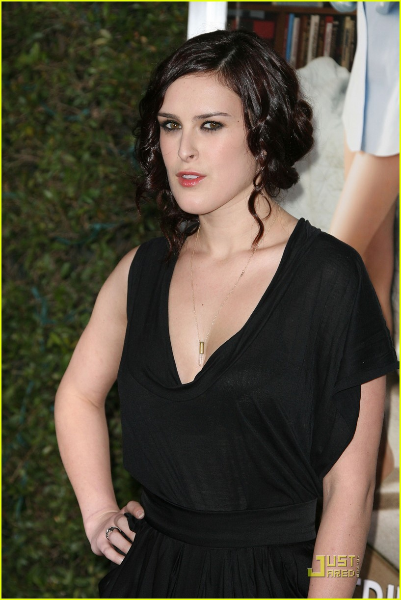 rumer willis lake bell no strings attached premiere 082510368