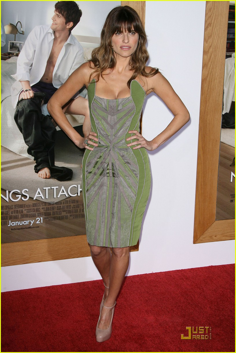 rumer willis lake bell no strings attached premiere 092510369