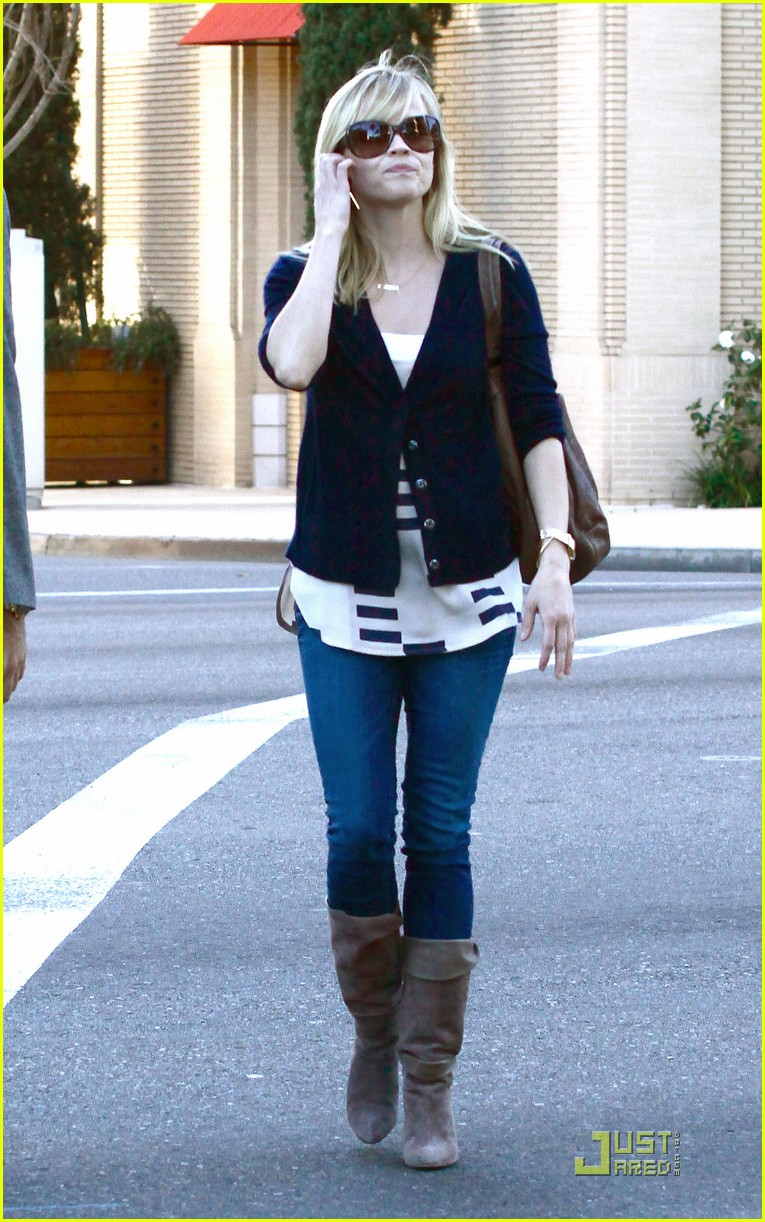 reese witherspoon beverly hills 032510462
