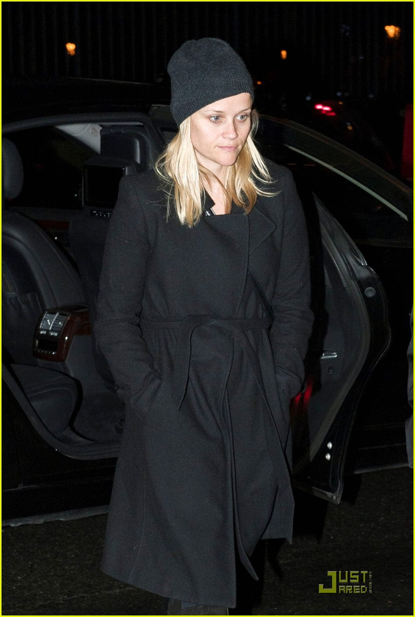 reese witherspoon louboutin paris 04