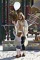 jessica alba baby bump in beverly hills 27