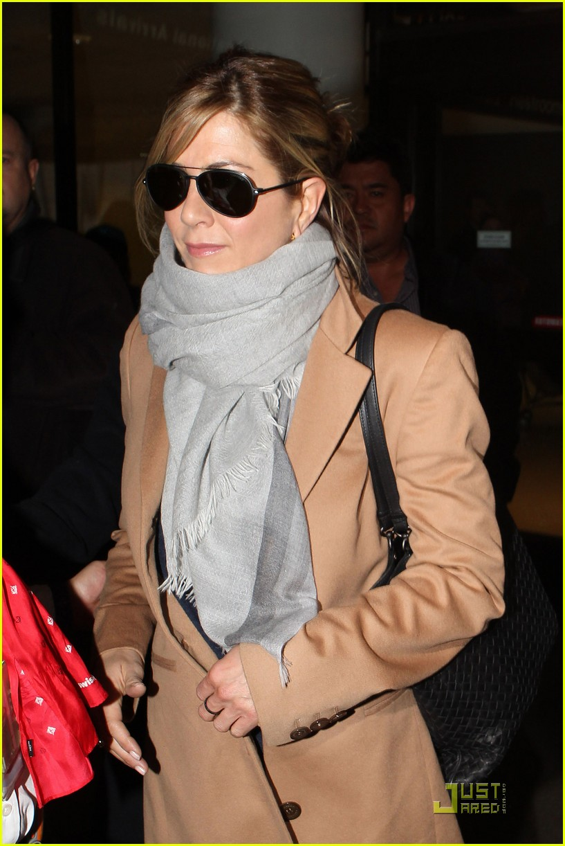 jennifer aniston back in the usa 032522416