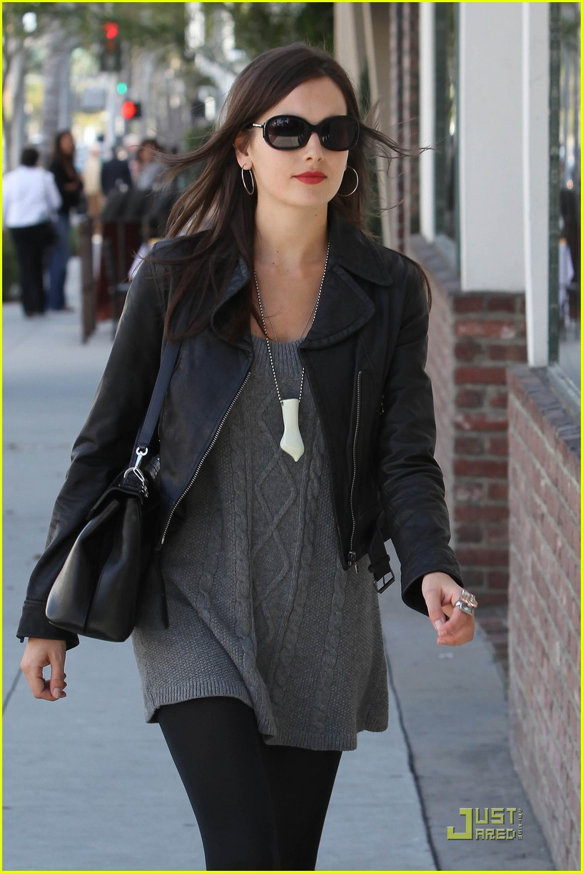 camilla belle lunch with wilmer valderrama 02
