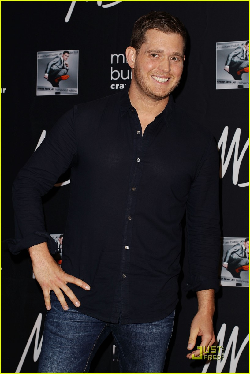 michael buble brings crazy love down under 012518343
