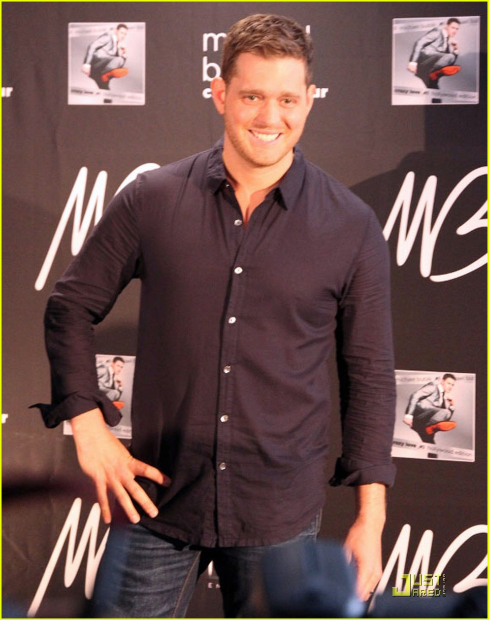 michael buble brings crazy love down under 052518347