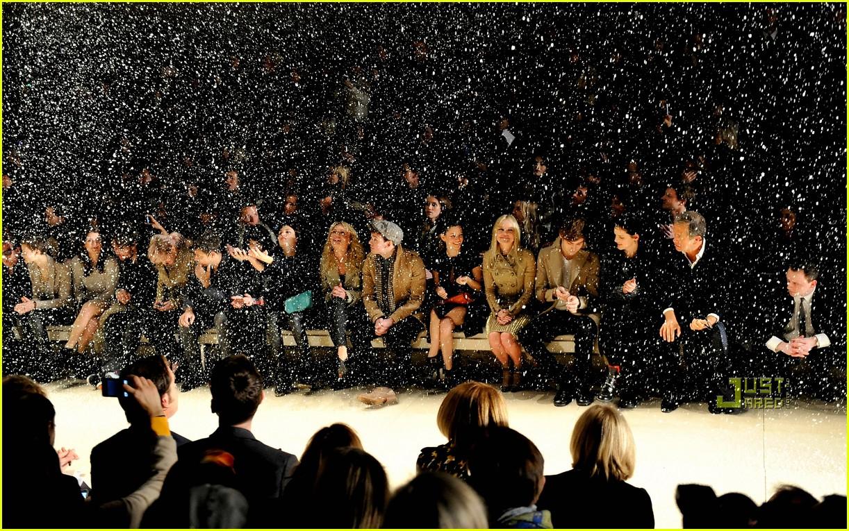 rachel bilson burberry fashion week 062521859