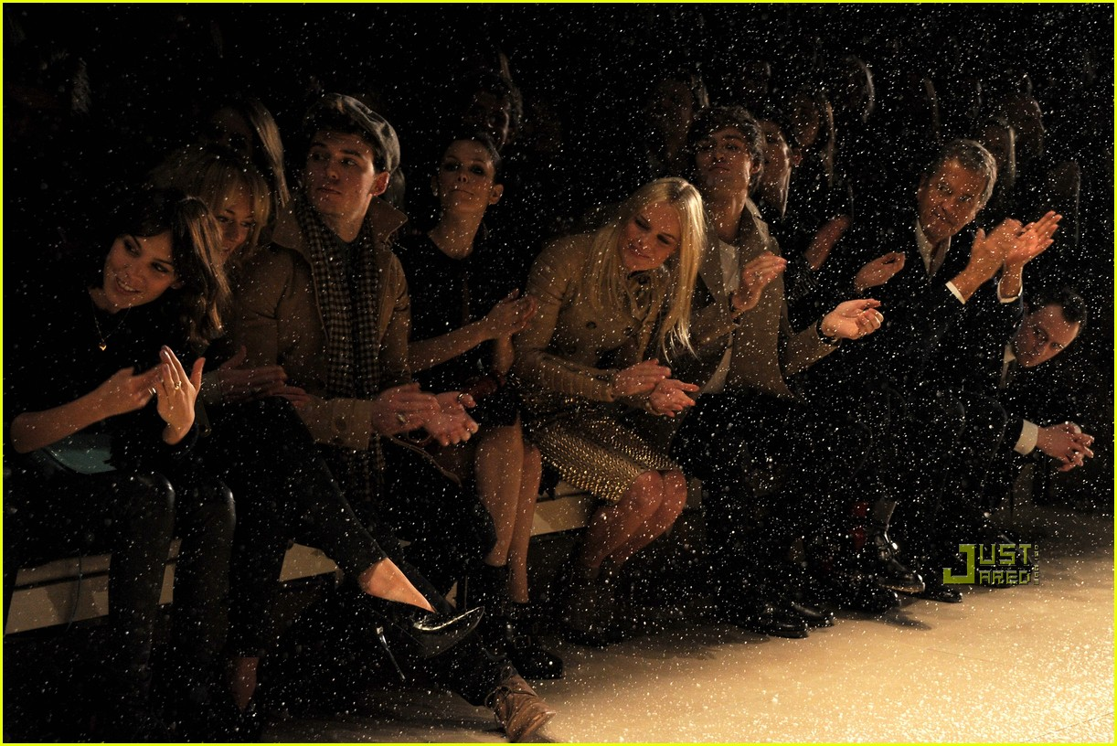 rachel bilson burberry fashion week 142521867