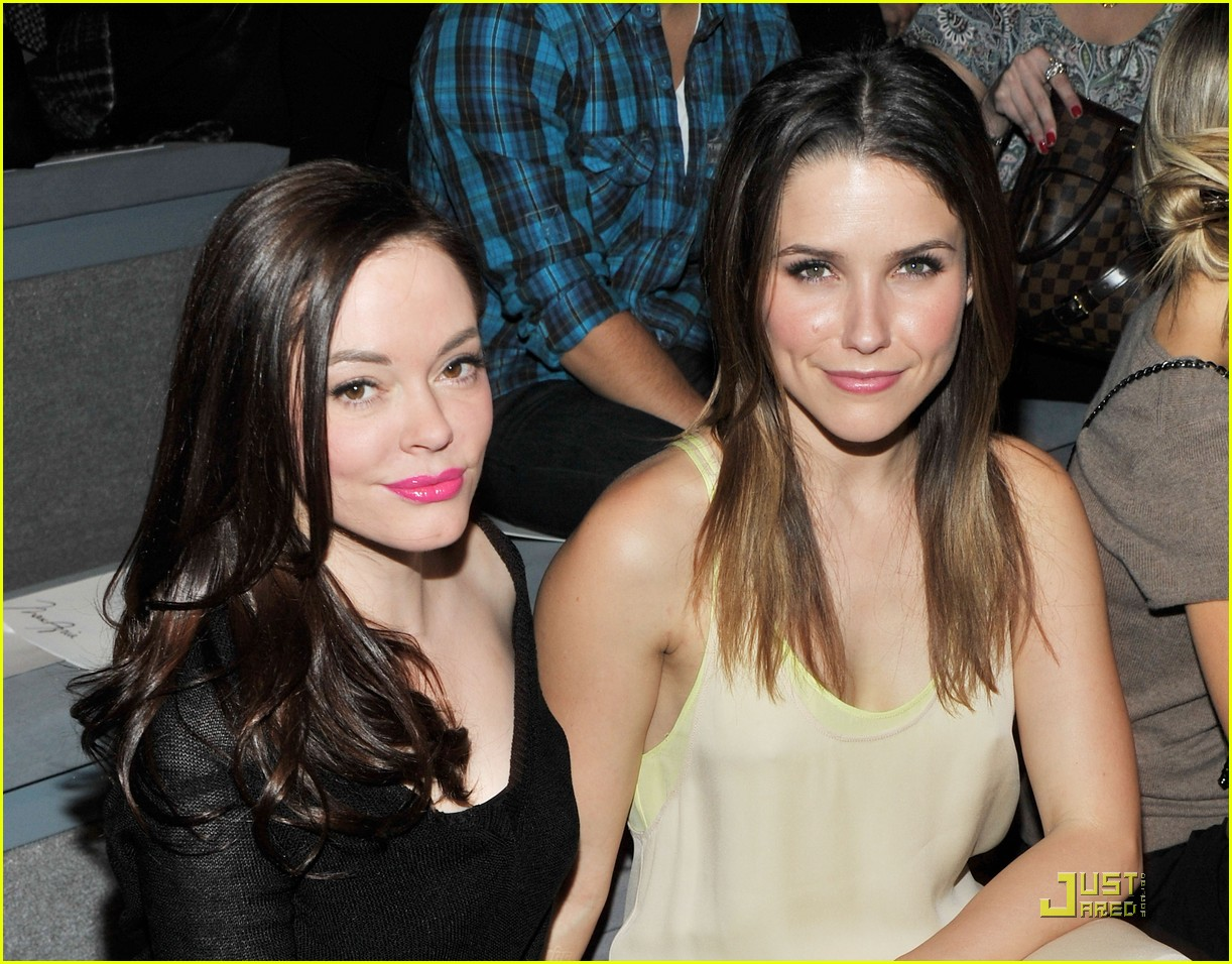 sophia bush backstage with max azria 032519620