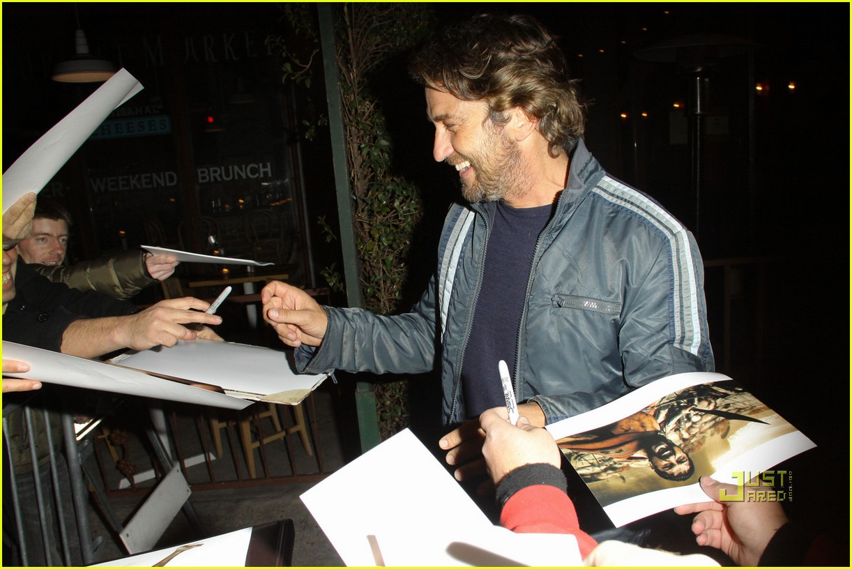 gerard butler vanity fair campaign hollywood 082521932