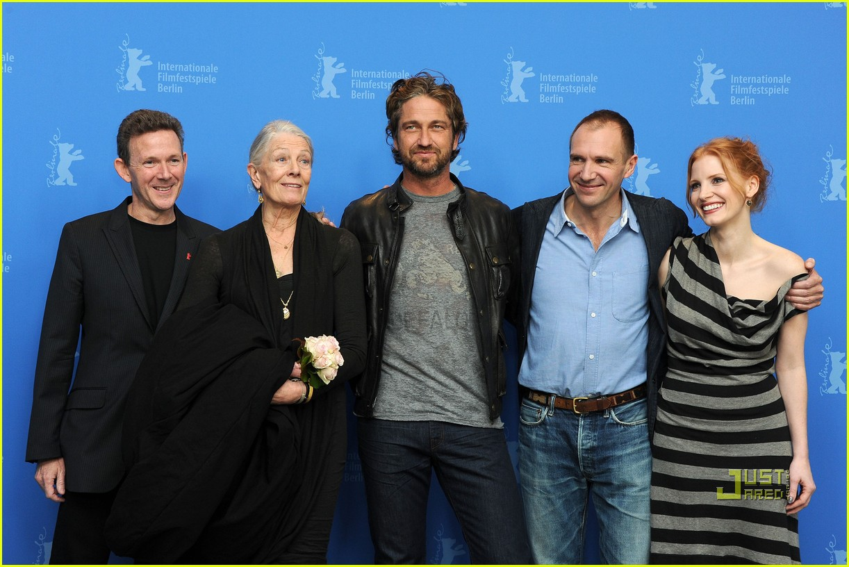 gerard butler coriolanus photo call 04