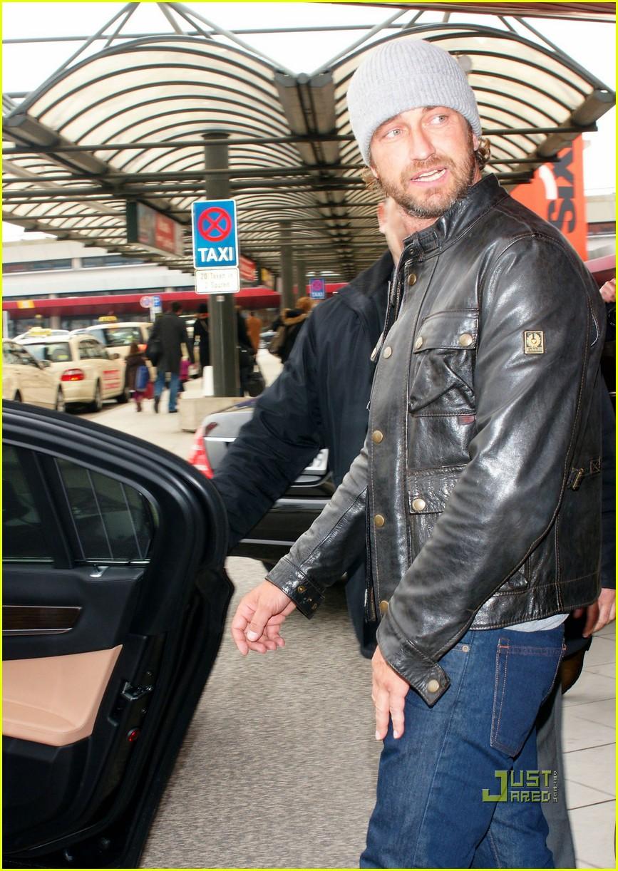Gerard Butler Berlin Airport Arrival Photo 2519702
