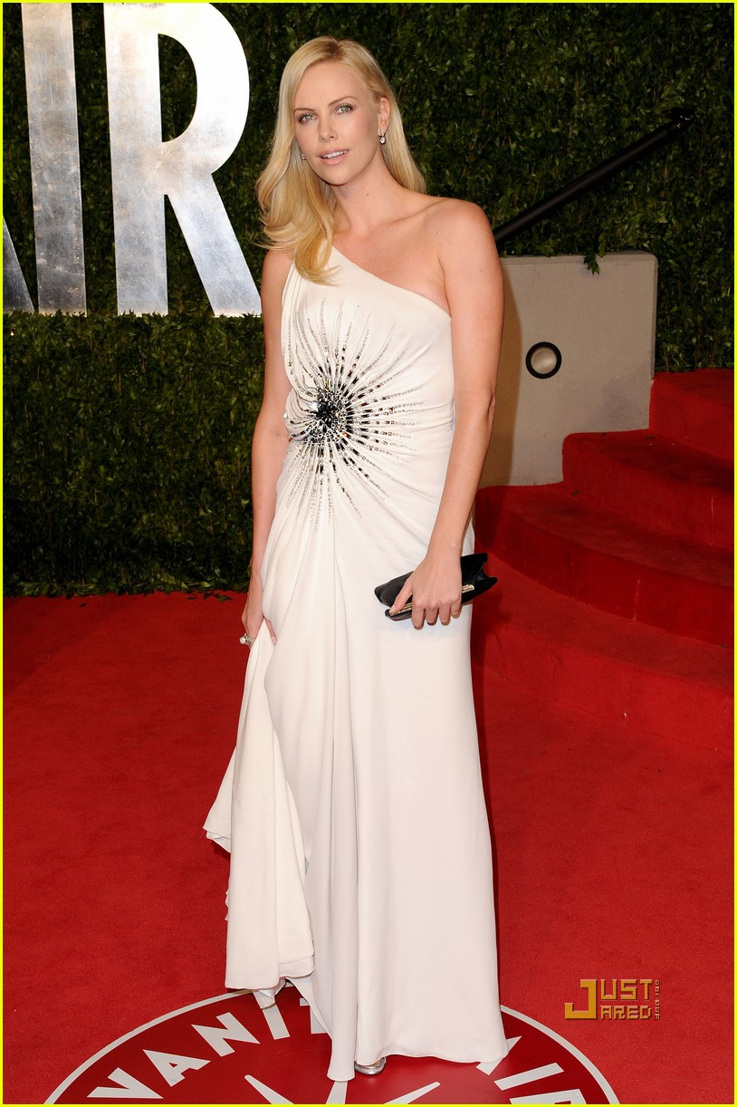 charlize theron vanity fair oscars party 2011 01