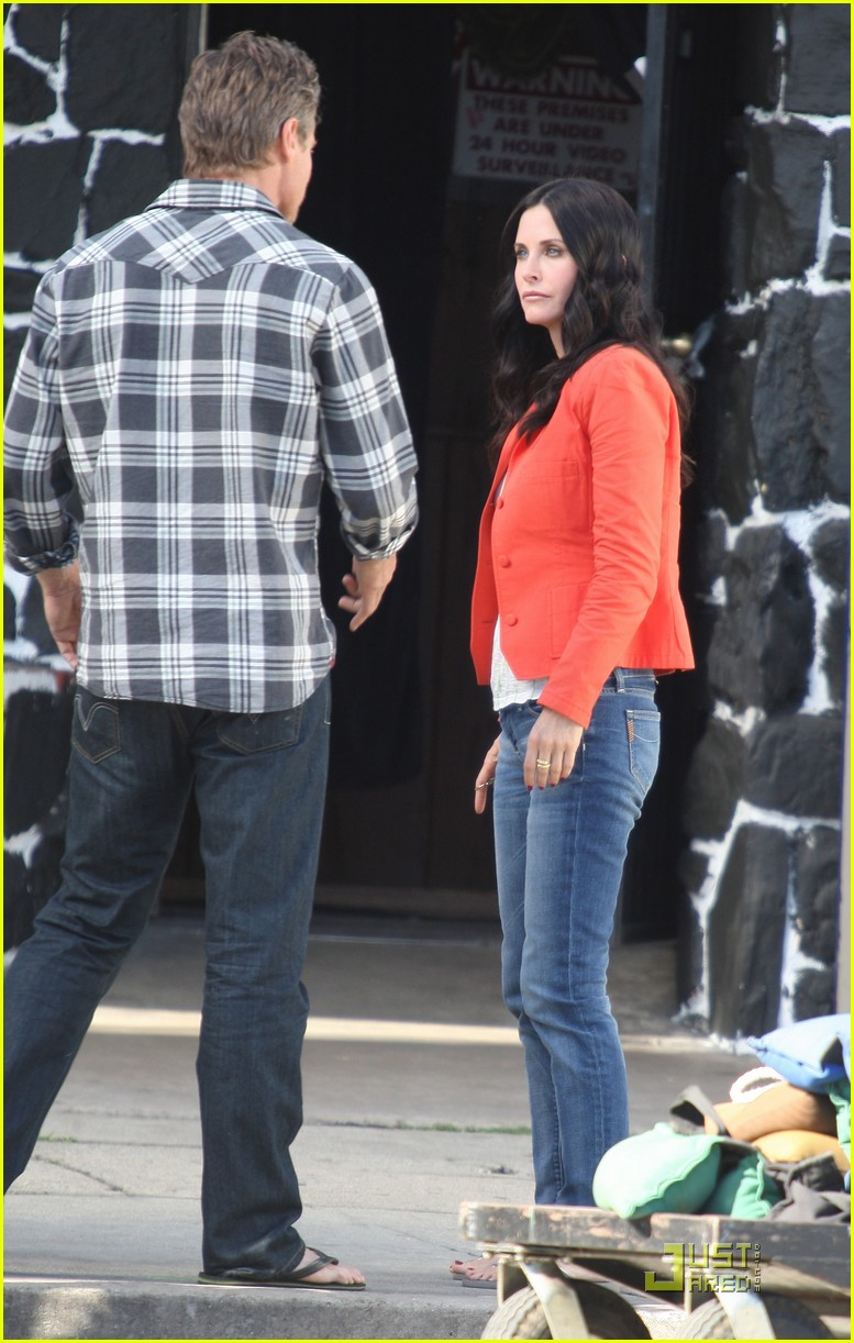 courteney cox cougar with a cane 03