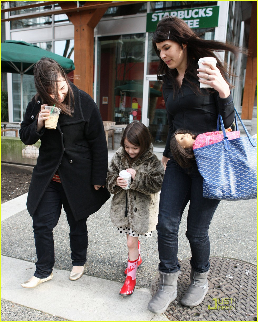 suri cruise hot cocoa cowgirl 042522446