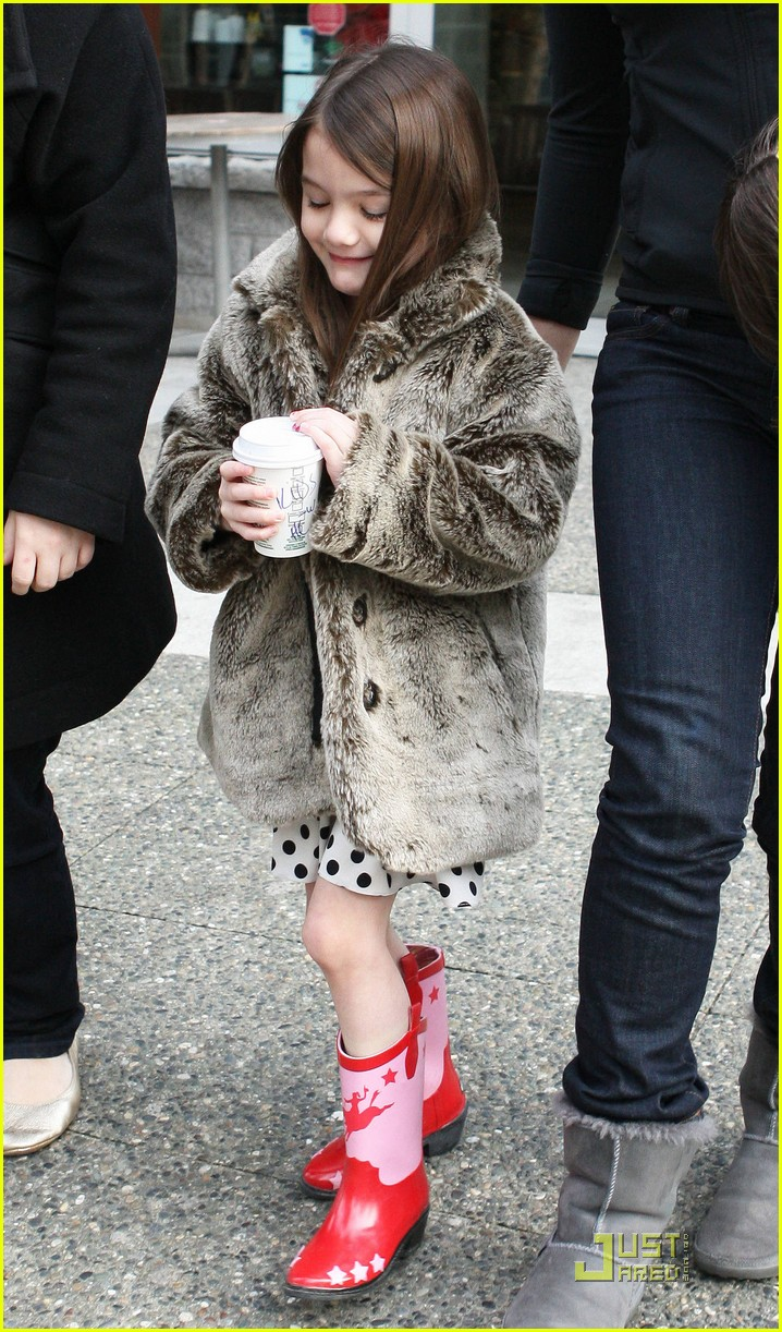 suri cruise hot cocoa cowgirl 102522452