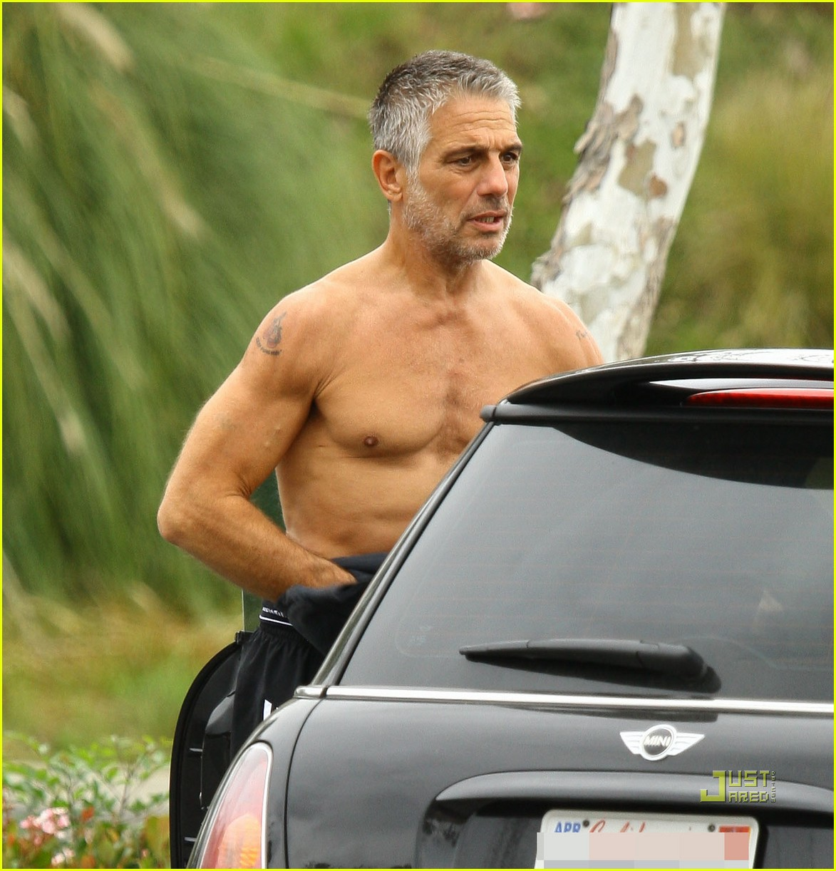Tony Danza Goes Shirtless Before Shopping: Photo 2521305