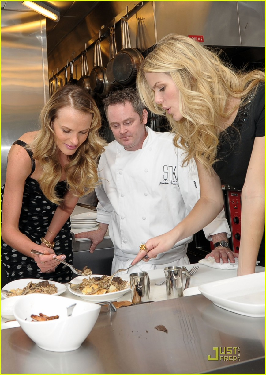 brooklyn decker anne v stk cooking class 042520443
