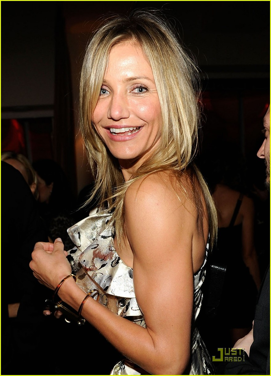 cameron diaz gwyneth paltrow vanity fair oscar party 02