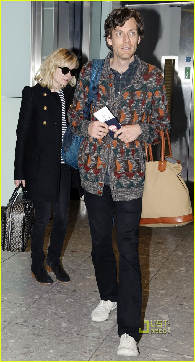 kirsten dunst jason boesel heathrow 062522359