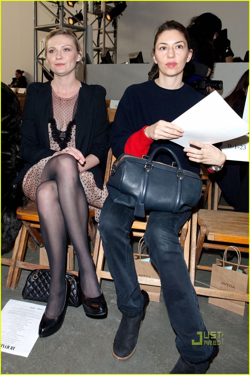 kirsten dunst sofia coppola rodarte fashion show 012520299