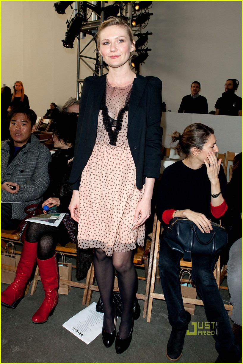 kirsten dunst sofia coppola rodarte fashion show 14