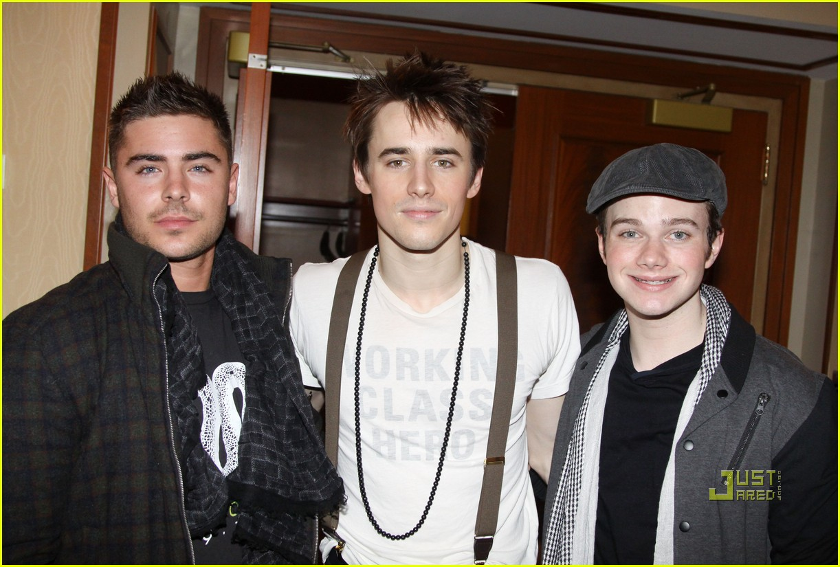 zac efron reeve carney chris colfer spiderman 012517533