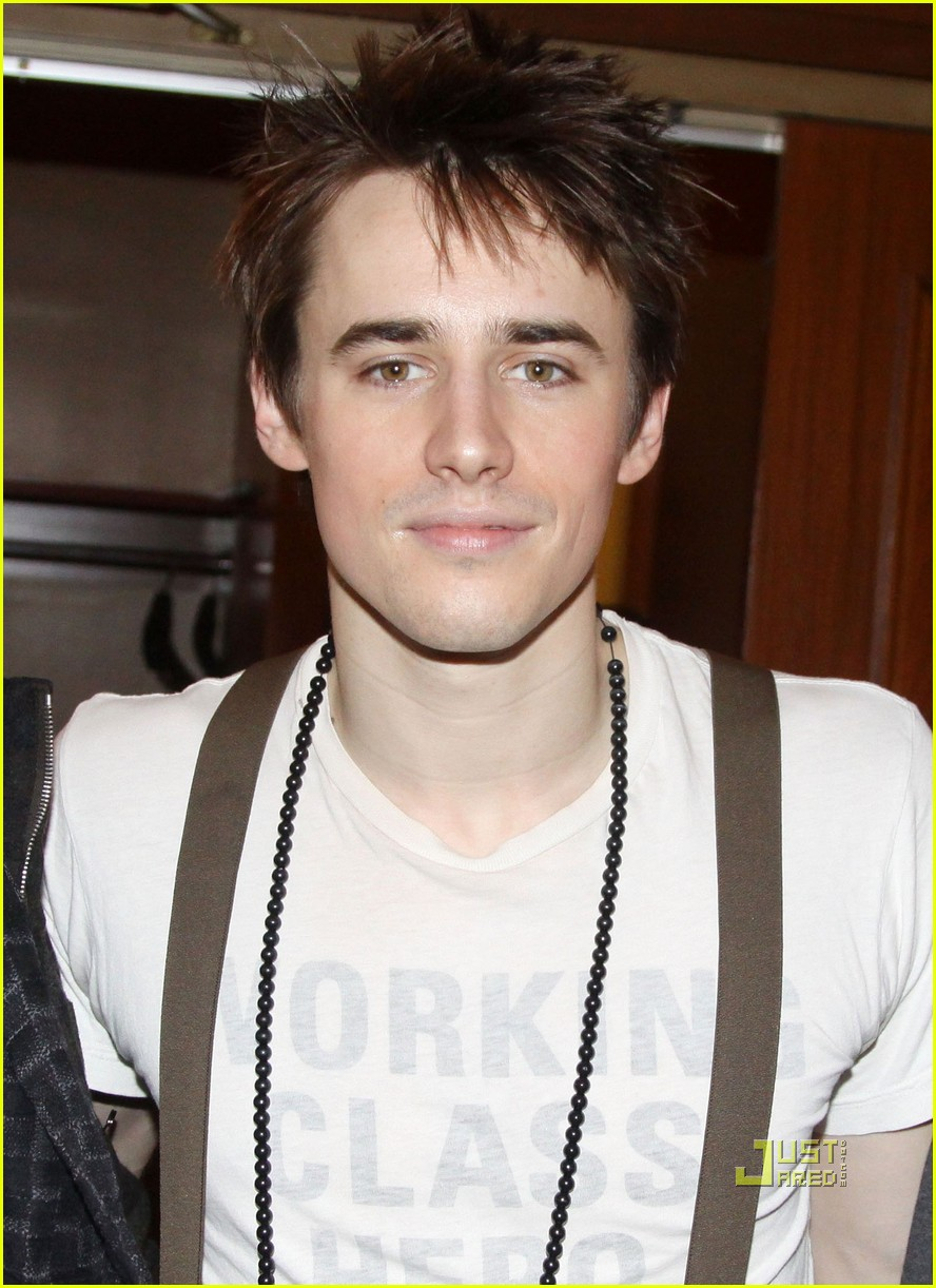 zac efron reeve carney chris colfer spiderman 022517534