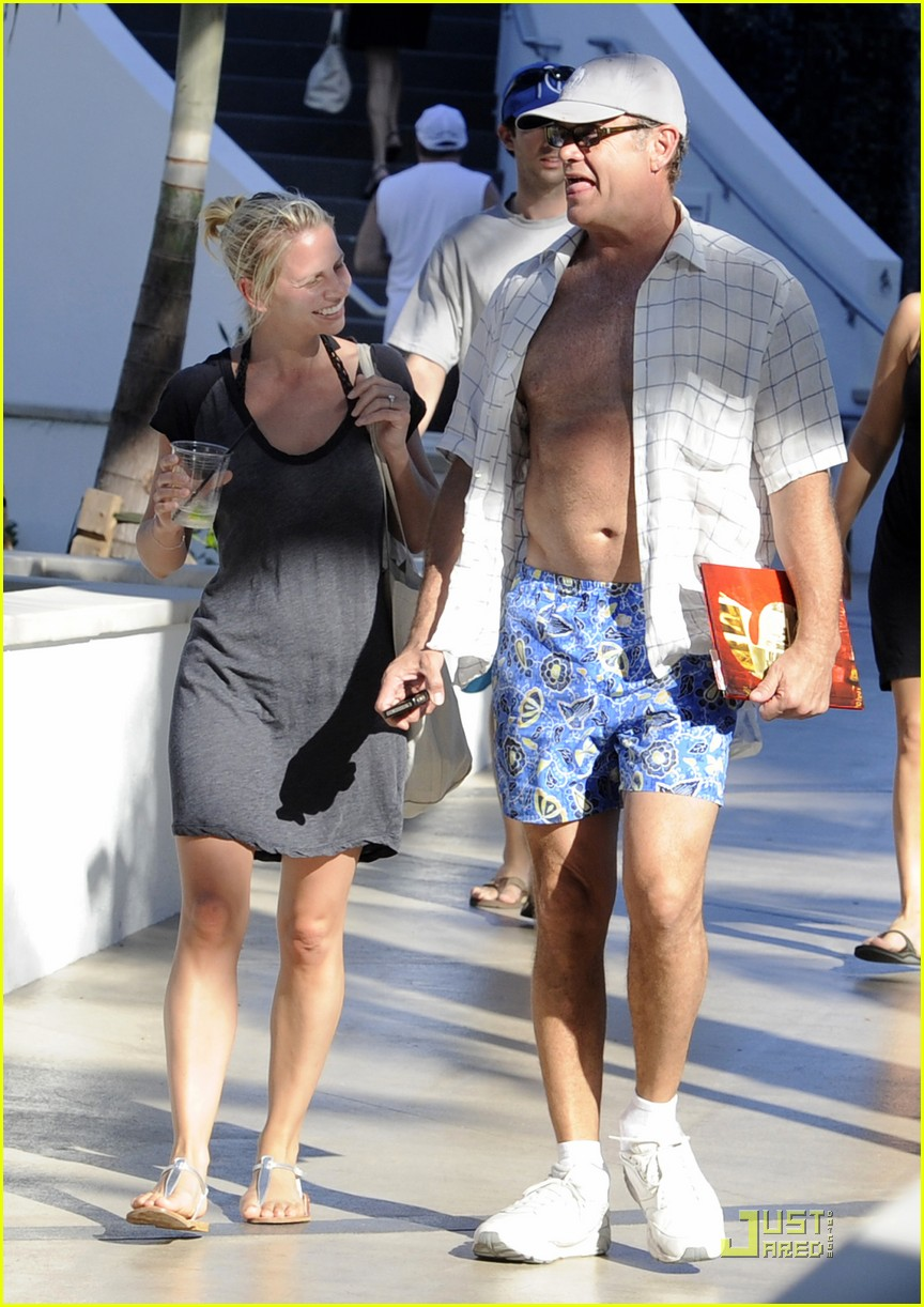 kelsey grammer miami fun with kayte walsh 07