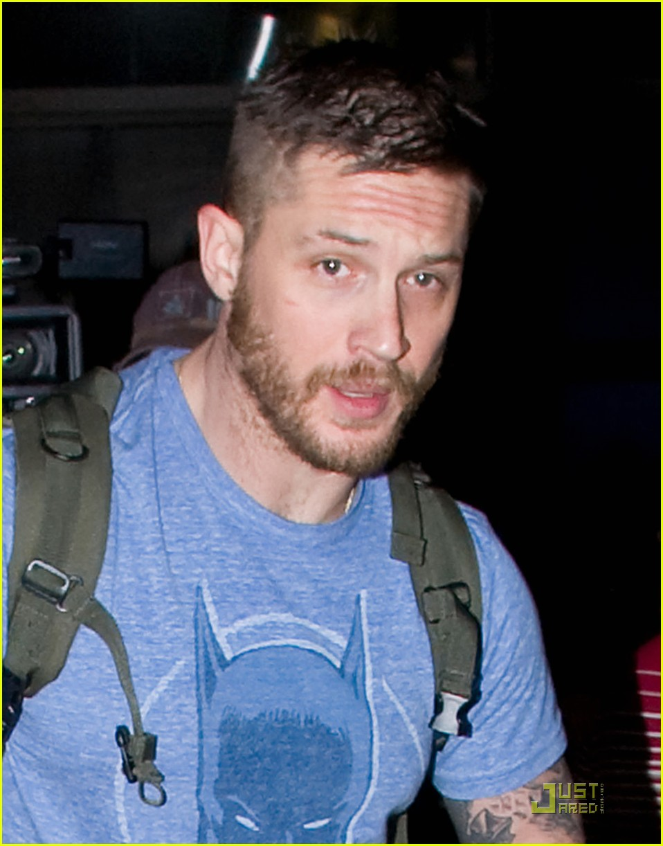 tom hardy batman shirt lax 02