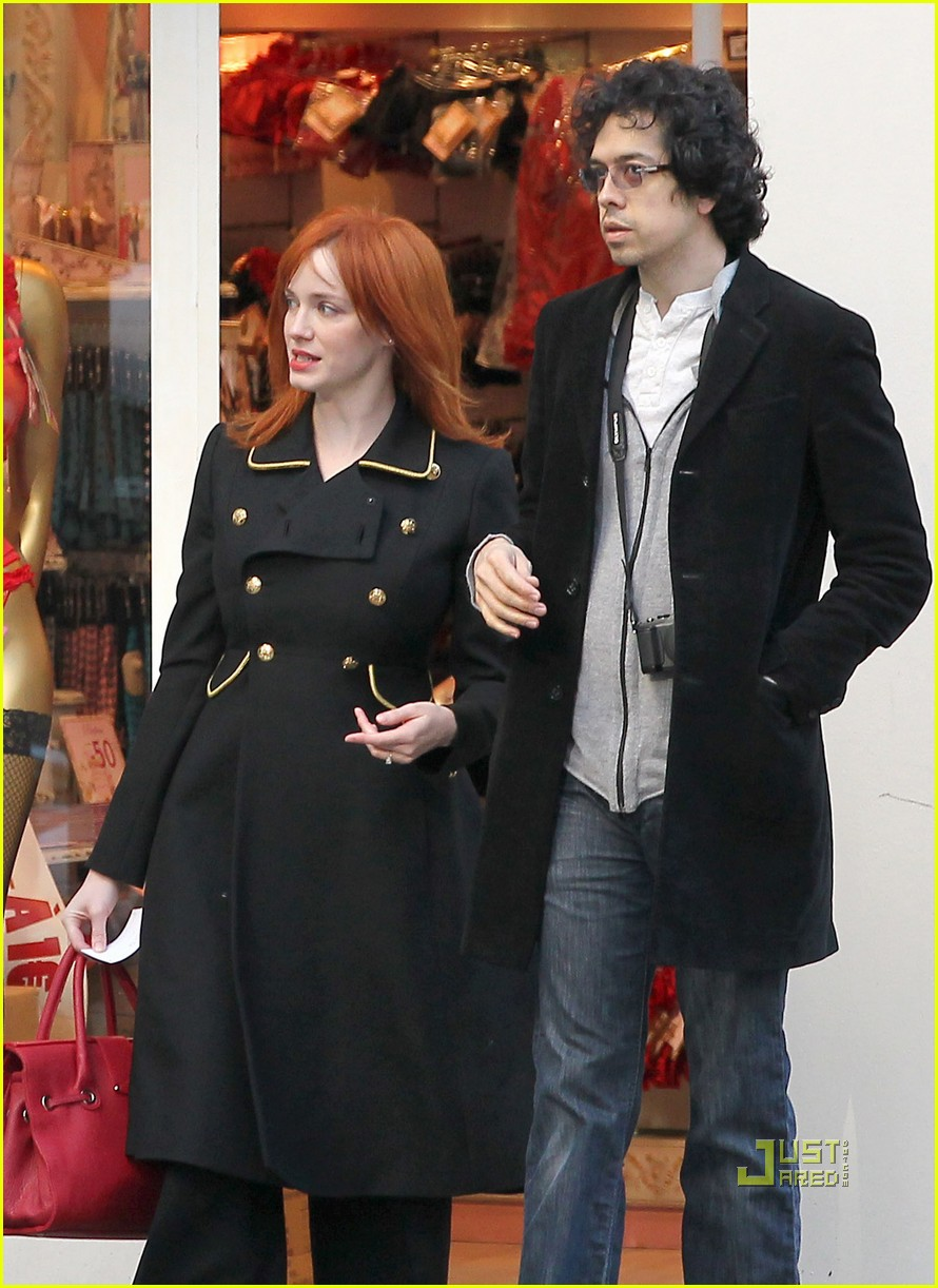 christina hendricks geoffrey arend paris shopping 022517538