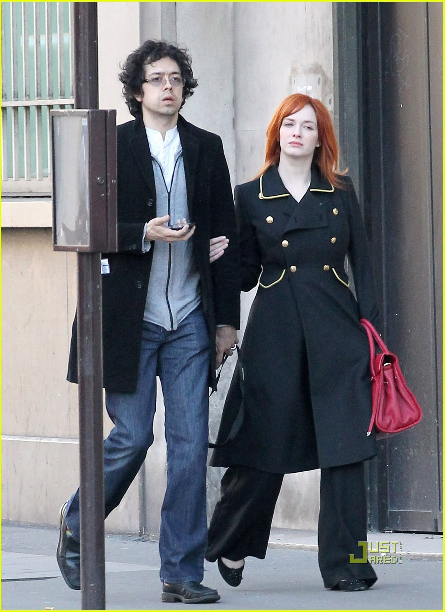 christina hendricks geoffrey arend paris shopping 032517539