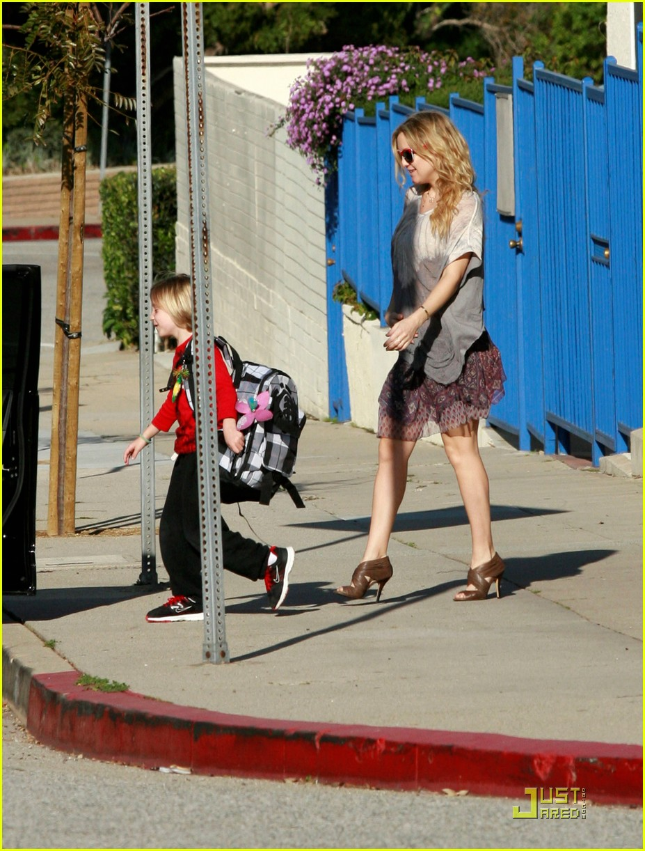 kate hudson babies her baby 042520745