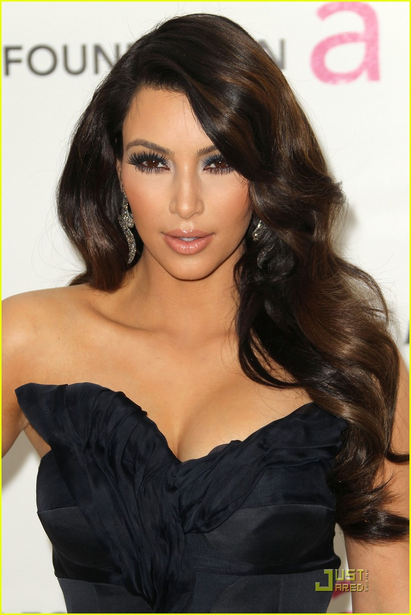 kim kardashian elton john 052523826