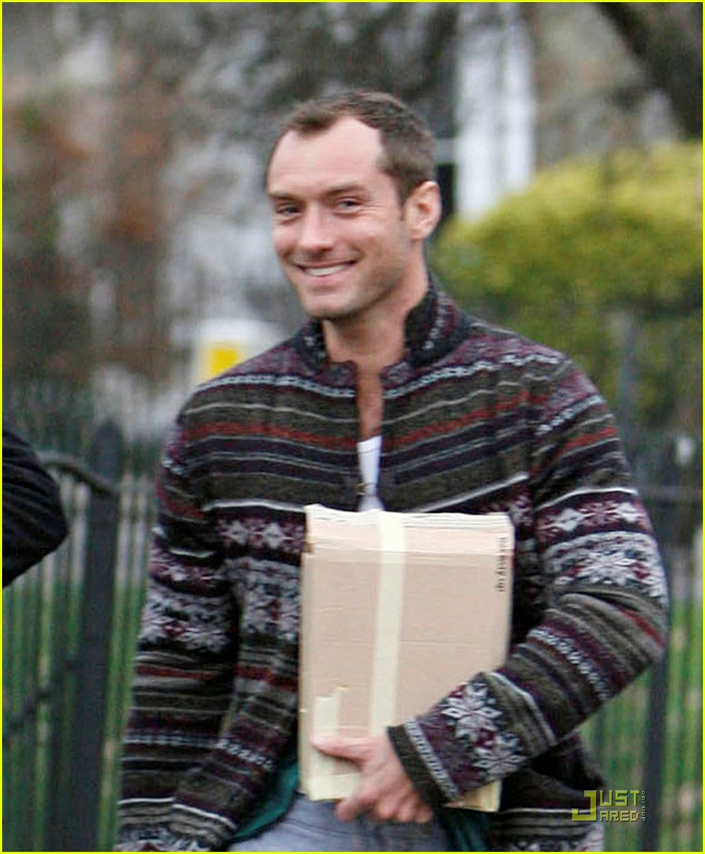 jude law primrose hill 06