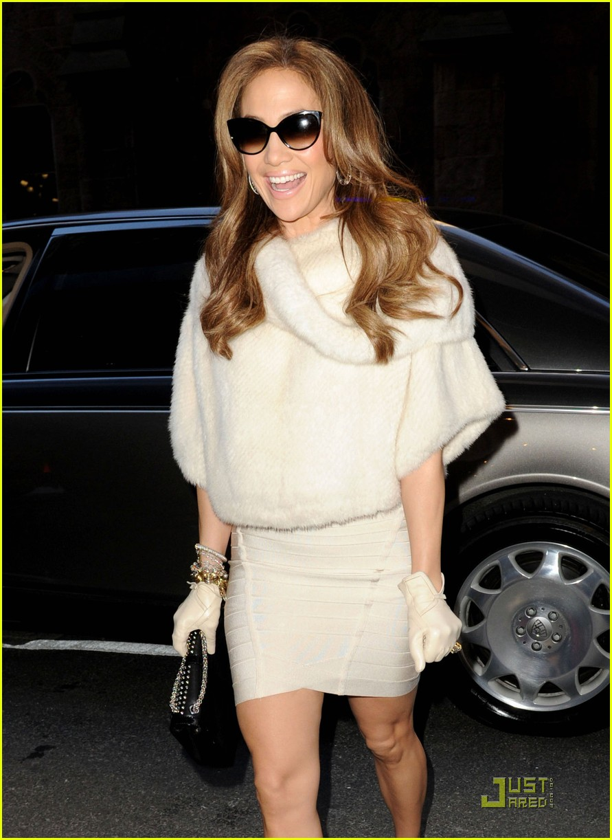 jennifer lopez super bowl at the white house 032516717