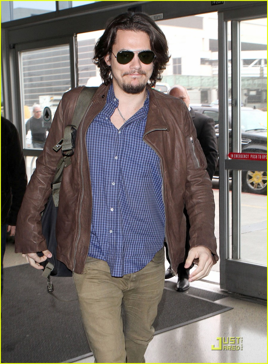 john mayer leaves los angeles 062520253