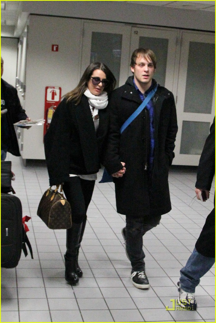 lea michele theo stockman dallas airport 01