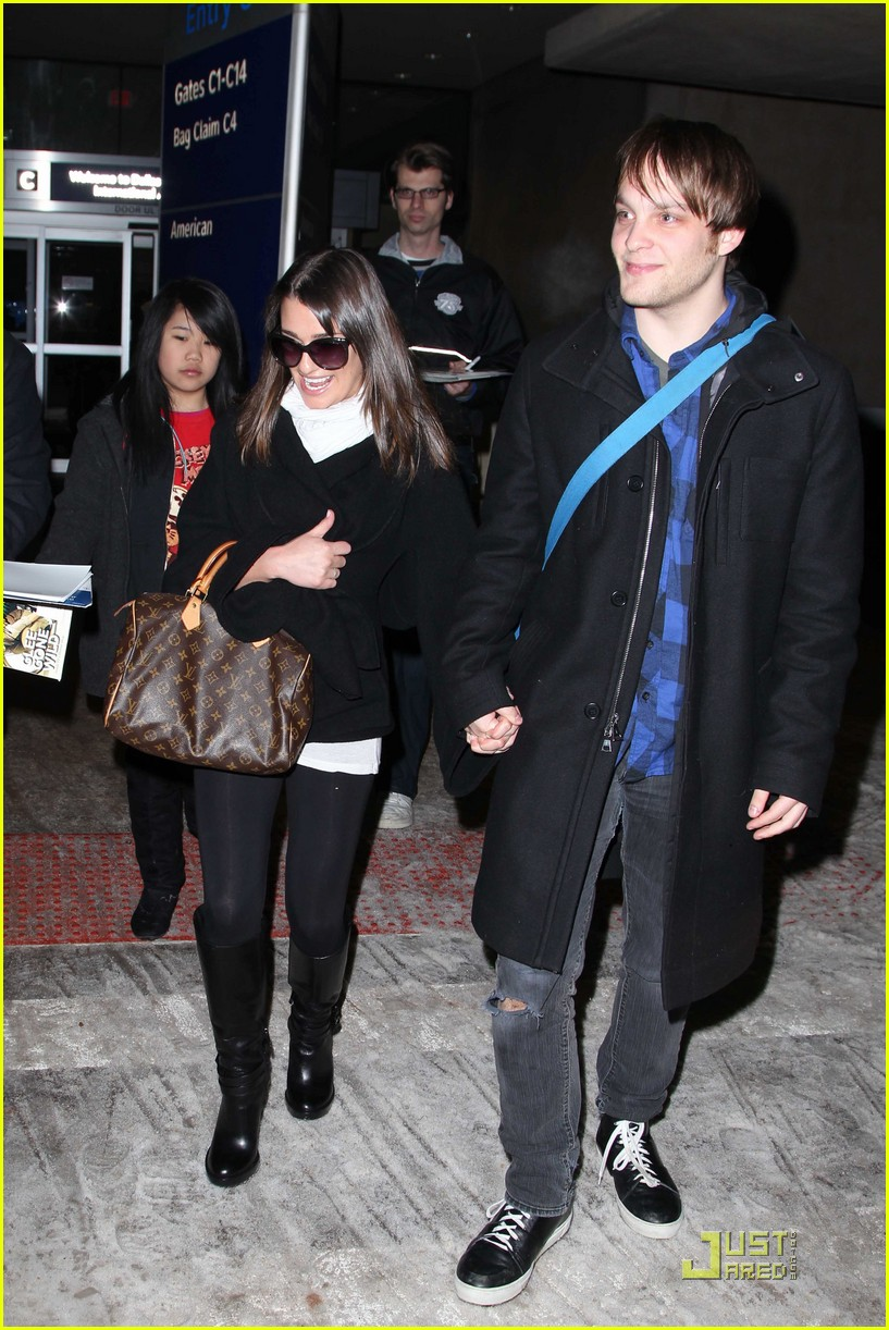 lea michele theo stockman dallas airport 042517011