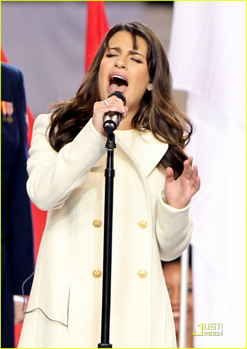 lea michele super bowl performance 032517467