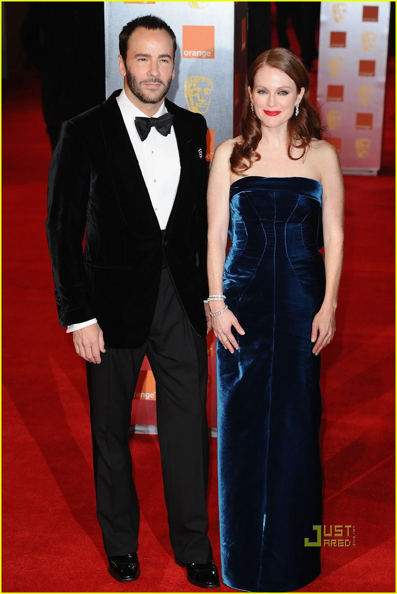 julianne moore annette bening baftas red carpet 032519077