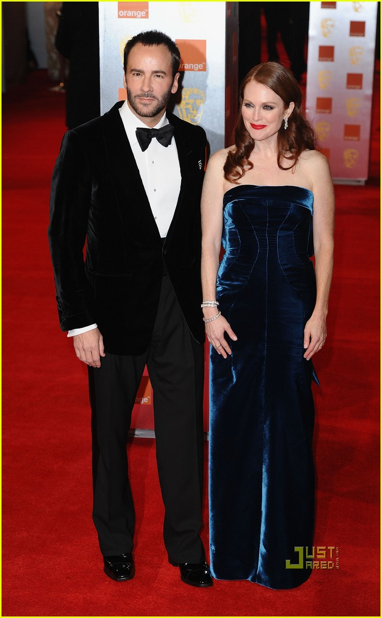 julianne moore annette bening baftas red carpet 06