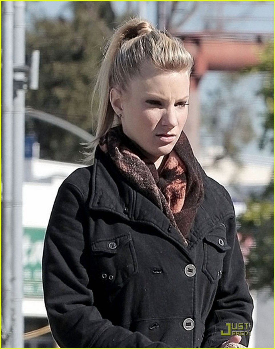 heather morris gas station 08