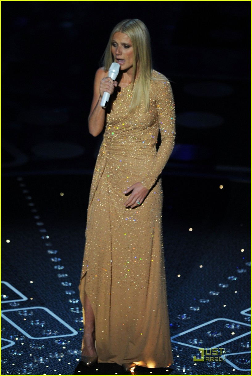 gwyneth paltrow oscars performance 03