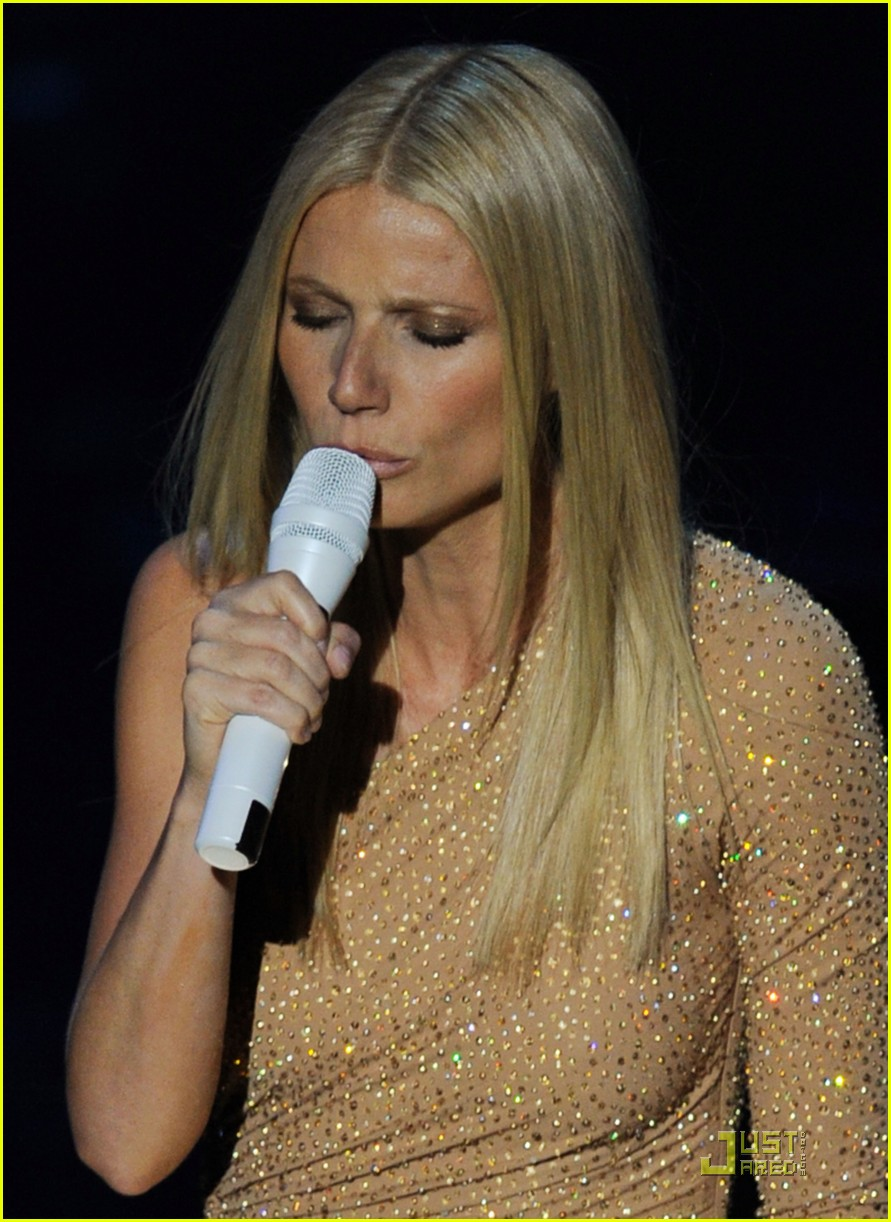 gwyneth paltrow oscars performance 07