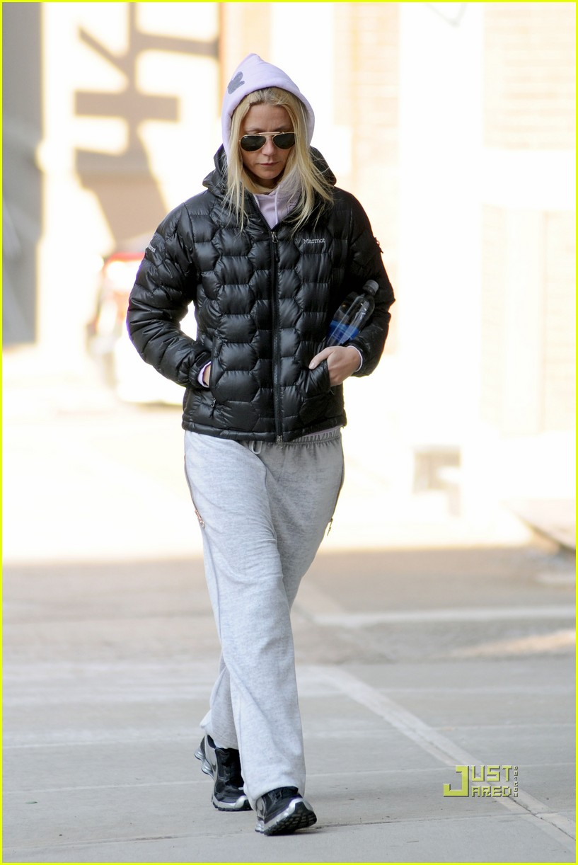 gwyneth paltrow puffy coat nyc 06