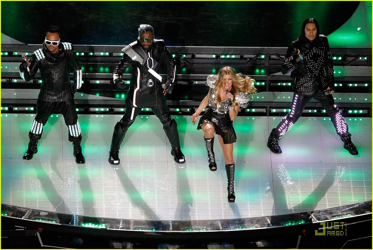 black eyed peas half time show 082517429